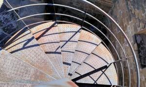 Escada caracol metálica