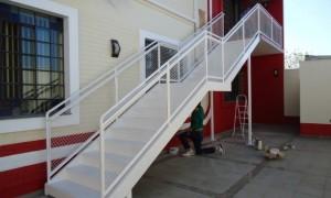 Escada metálica preço